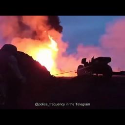 Тушение пожара нефтяной скважины в Усть-Куте с помощью артиллерии
