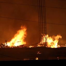 """Пожар - горело строящееся помещение у бизнес-центра """"Байкал"""" на улице Ширямова"""